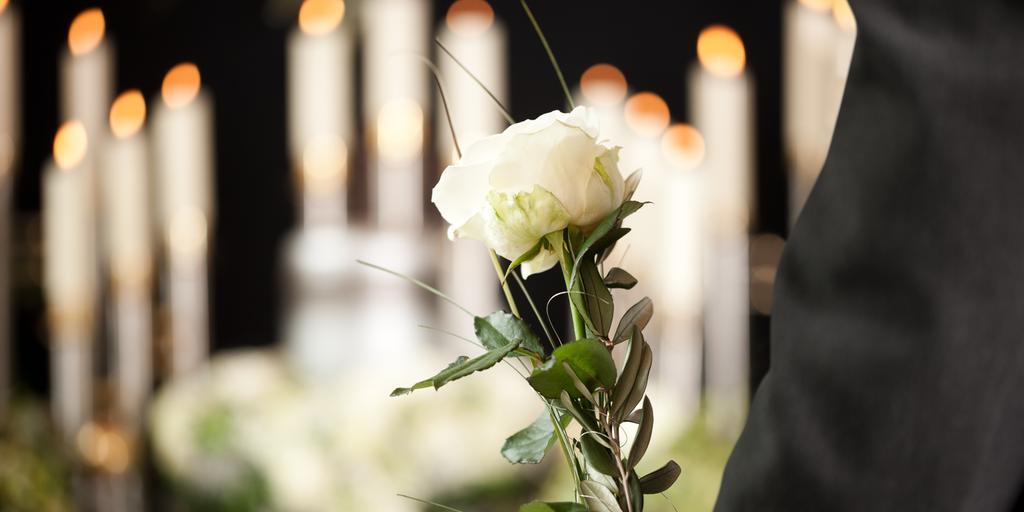 Vad är rätt klädsel vid begravning   ec31724041d05